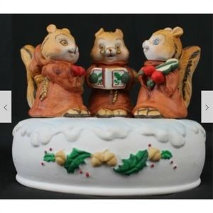 Enesco Porcelain Singing Chipmunks We Wish You a M